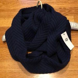 UGG infinity scarf navy